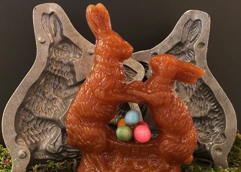 Hase groß und klein mit bunten Eier